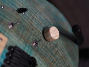 Magpie – Lintuaiheinen custom kitara galleria kuva #4